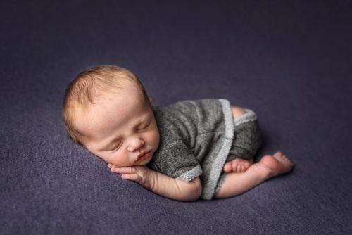 Fotografía newborn, fotos en estudio de recién nacidos, edición Fine Art